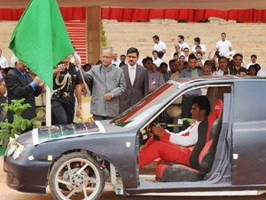 Pranab Mukherjee flag off Solar car