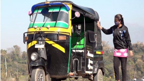 ಕುಟುಂಬ ನಿರ್ವಹಣೆಗಾಗಿ ಆಟೋ ಚಾಲಕಳಾದ 21 ವರ್ಷದ ಯುವತಿ