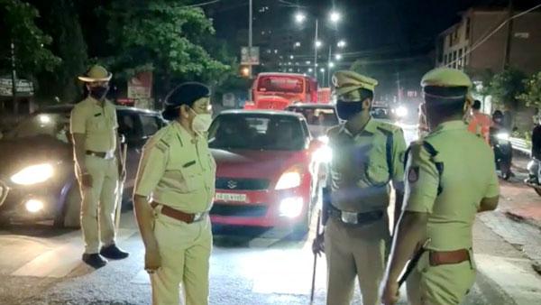 ನೈಟ್ ಕರ್ಫ್ಯೂ: 60ಕ್ಕೂ ಹೆಚ್ಚು ದ್ವಿಚಕ್ರ ವಾಹನಗಳನ್ನು ವಶಕ್ಕೆ ಪಡೆದ ಮಂಗಳೂರು ಪೊಲೀಸರು