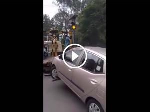 ಏನ್ ಗುರು 500 ರೂಪಾಯಿ ದಂಡಕ್ಕಾಗಿ ಹೀಗಾ ಮಾಡೋದು..!!