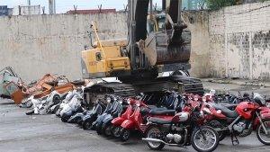 ಕಳ್ಳಸಾಗಾಣಿಕೆಯಲ್ಲಿ ಸಿಕ್ಕಿಬಿದ್ದ 43 ಕೋಟಿ ಮೌಲ್ಯದ 122 ಬೈಕ್ಗಳು ಪೀಸ್ ಪೀಸ್..
