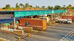 ವಾಹನ ಸವಾರರಿಗೆ ಸಿಹಿಸುದ್ದಿ- ಟೋಲ್ ದರ ಕಡಿತಕ್ಕೆ ಕೇಂದ್ರದಿಂದ ಹೊಸ ಯೋಜನೆ..!