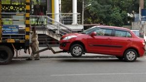 ಮಂಗಳೂರಿನಲ್ಲಿ ಹೆಚ್ಚುತ್ತಿರುವ ನೋ-ಪಾರ್ಕಿಂಗ್ ವಾಹನಗಳ ಹಾವಳಿ. ಪೊಲೀಸರು ಮಾಡಿದ್ದೇನು ಗೊತ್ತಾ.?