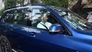 ಐಷಾರಾಮಿ ಬಿಎಂಡಬ್ಲ್ಯು ಎಕ್ಸ್7 ಕಾರು ಚಾಲನೆ ವೇಳೆ ಕಾಣಿಸಿಕೊಂಡ ಬಾಲಿವುಡ್ ಸ್ಟಾರ್