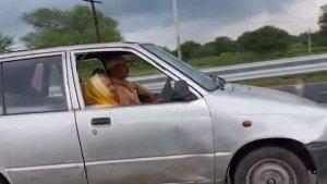 90ನೇ ವಯಸ್ಸಿನಲ್ಲಿ ಕಾರು ಚಾಲನೆ ಮಾಡಿದ ಅಜ್ಜಿ, ವೃದ್ಧೆಯ ಜೀವನೋತ್ಸಾಹಕ್ಕೆ ಬಹು ಪರಾಕ್ ಹೇಳಿದ ಸಿಎಂ