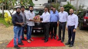 ಹೊಸ Toyota Innova Crysta ಕಾರು ಖರೀದಿಸಿದ ನಟ ಮೋಹನ್ ಲಾಲ್
