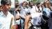 ಹೆಲ್ಮೆಟ್ ಧರಿಸದ ಯುವಕನನ್ನು ಲಾಠಿಯಿಂದ ಥಳಿಸಿದ ಪೊಲೀಸ್